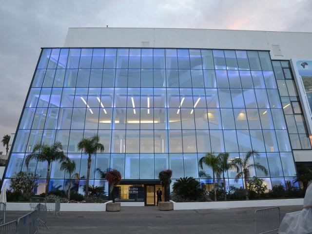 Eclairage aux teintes modulables - Palais des Festivals de Cannes