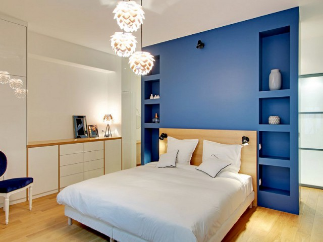 Un meuble-cloison pour séparer chambre et salle de bains - Une ancienne imprimerie transformée en loft industriel