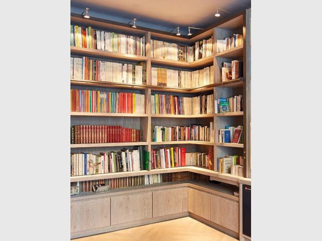 Des étagères conçues sur mesure pour s'adapter... à leur contenu ! - Une bibliothèque sur mesure signée Xavie'z