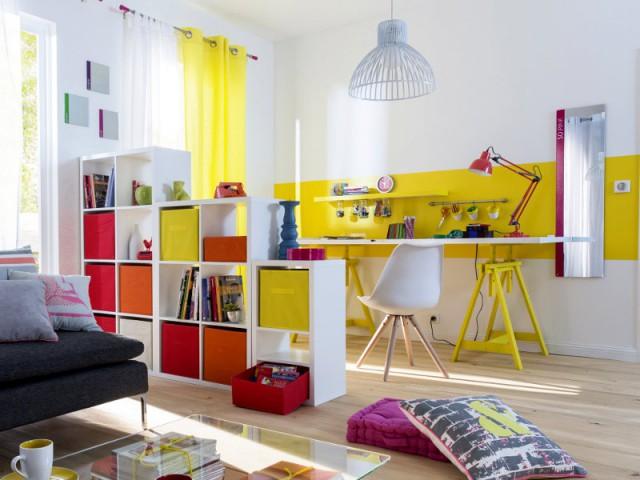 petits espaces 10 s parations l g res pour cr er un coin bureau. Black Bedroom Furniture Sets. Home Design Ideas