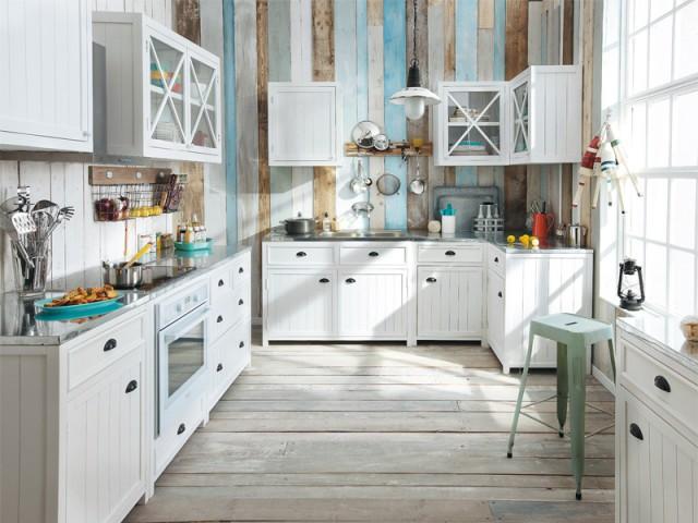 Un lambris façon bois brut pour une cuisine rustique chic - Le lambris fait son come-back