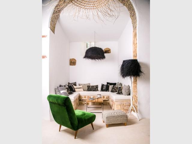 Un plafond qui laisse entrevoir des pierres apparentes  - Un plafond original