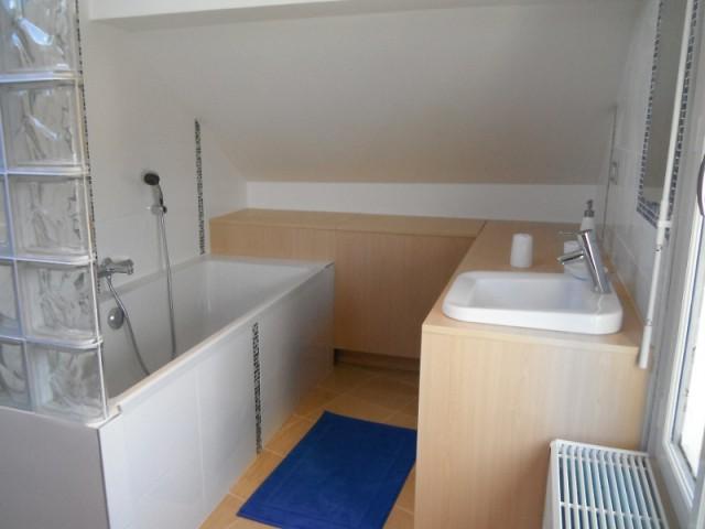 Une salle de bains adaptée à la circulation