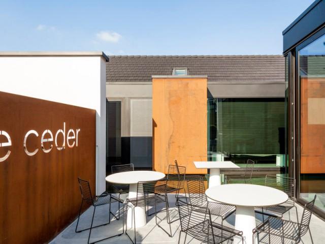 Une terrasse pour lier restaurant et maison d'hôtes - Ceder 10
