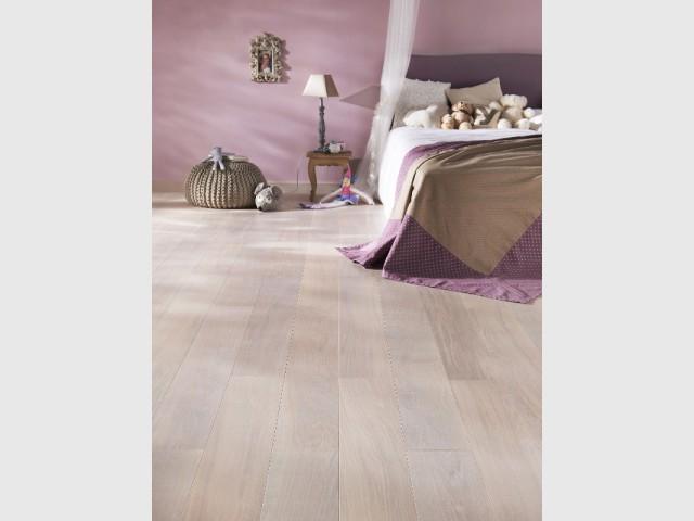 Un parquet rosé pour une chambre tout en douceur - Différentes teintes pour différents effets