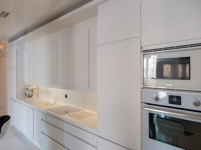 La cuisine déplacée pour devenir le cœur de l'appartement - Un 115 m2 se réinvente autour d'une cuisine
