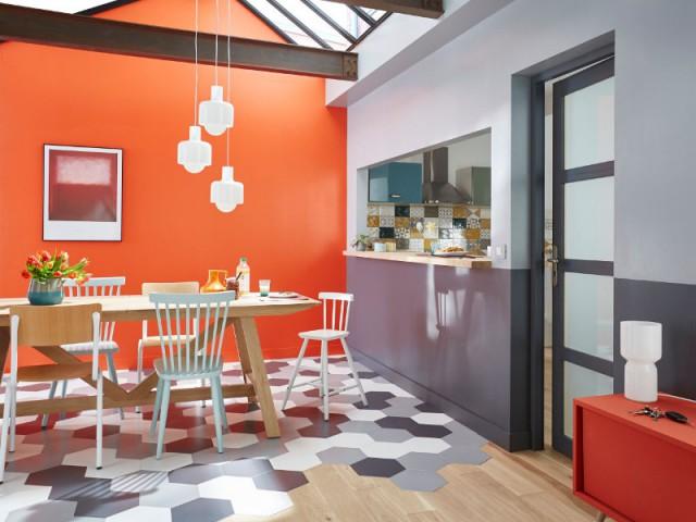 Des carreaux de forme hexagonale pour séparer un salon d'une salle à manger - Délimiter un espace grâce au sol