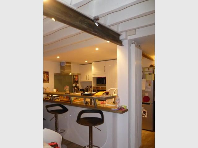 Après : une cuisine plus fonctionnelle et ouverte sur la salle à manger et le jardin - Un rez de jardin entièrement réaménagé