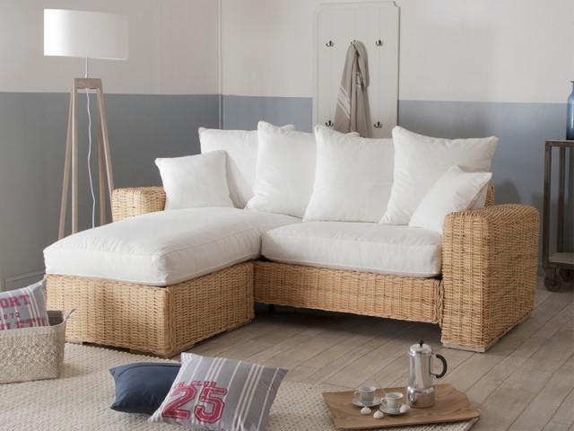 Un canapé en rotin pour donner du charme à une maison de vacances - Le rotin dans la maison