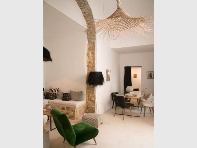 Une suspension extravagante en rotin pour dynamiser un intérieur - Le rotin dans la maison