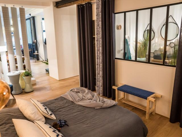 Des verrières d'intérieur pour créer des liaisons entre les pièces - Un appartement conçu par et pour la Génération Y