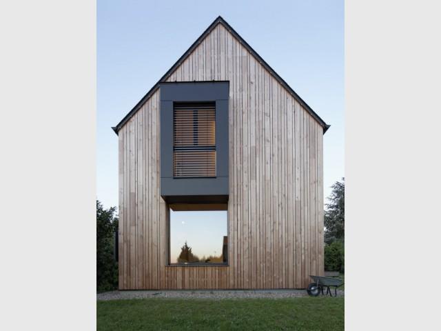Un bow window pour un aspect contemporain - Une maison passive alliant inspiration japonaise et performances énergétiques