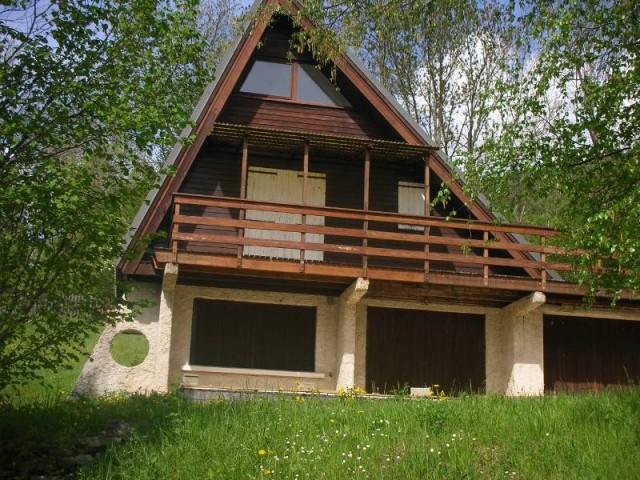 Avant : un chalet des années 70 isolé au cœur du Vercors - Un chalet métamorphosé en maison d'hôtes