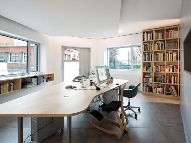 Une agence de graphisme au style scandinave  - Un café traditionnel transformé en bureau et logement privé