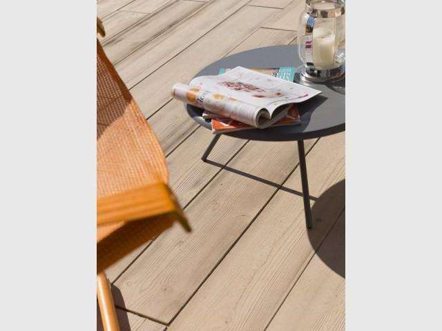 Une terrasse en béton pour une meilleure gestion des eaux de pluie - Une terrasse en béton pour un effet bois