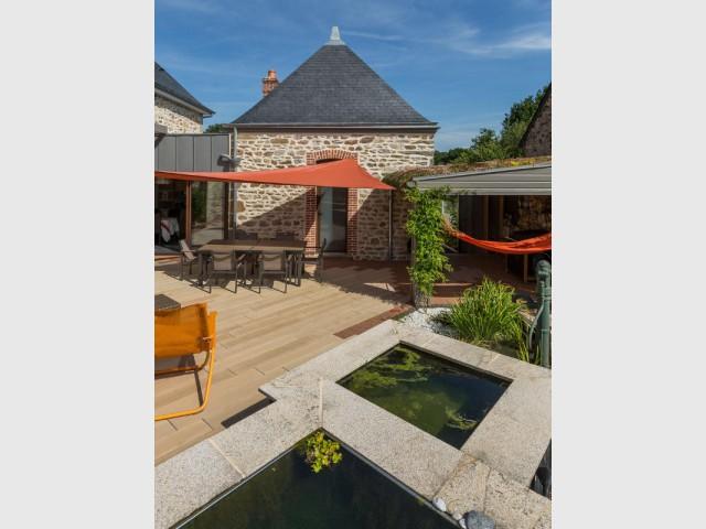 Une terrasse en béton imitation bois plus vraie que nature - Une terrasse en béton pour un effet bois