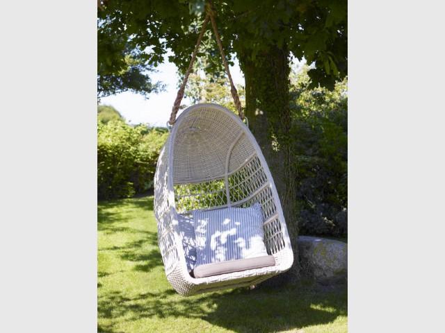 Un fauteuil suspendu pour un jardin tout en légèreté - Les tendances Outdoor 2016