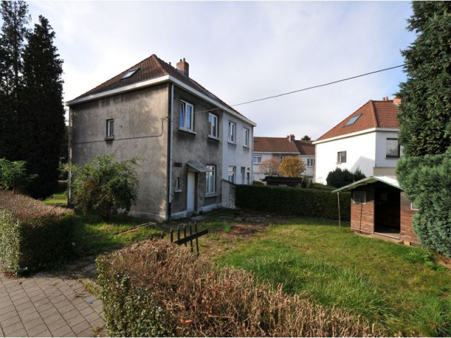 Avant : une maison inhabitable, au coeur d'un quartier ancien - Maison Renov Active à Bruxelles par Velux