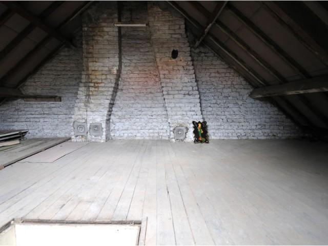 Avant : des combles utilisées comme un grenier - Maison Renov Active à Bruxelles par Velux