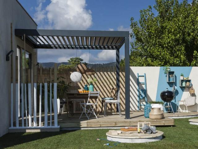 Une pergola contemporaine pour un extérieur tout en folie - Une pergola orignale pour habiller son jardin