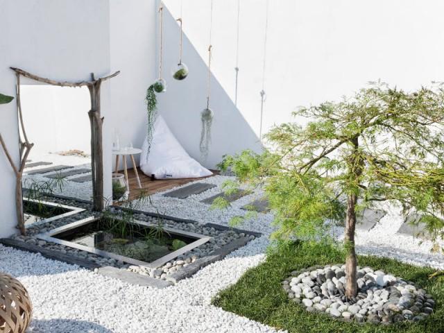Une allée en lames d'ardoise pour un jardin zen - Une allée bien structurée pour mon jardin