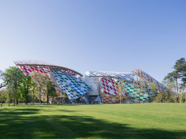 Un damier de couleurs pour la Fondation Louis Vuitton - Fondation Louis Vuitton colorée par D. Buren
