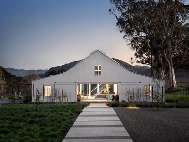 Une vieille ferme transformée en maison idyllique - Un vieux ranch américain transformé en maison écologique