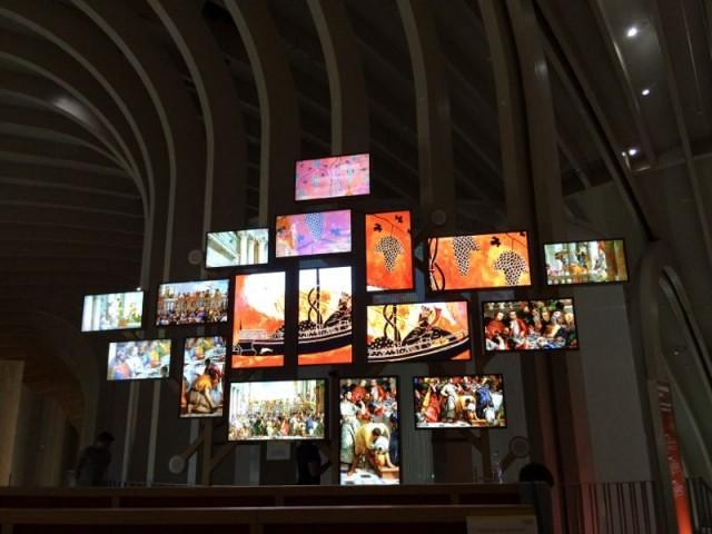 Mur d'images dans la Cité du vin à Bordeaux - Cité du vin Bordeaux