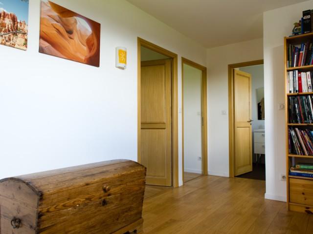 Une construction passive en bois à l'intérieur comme à l'extérieur - Une maison passive en bois bâtie dans la forêt