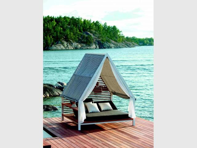 Un tipi pour une ambiance romantique - Dix fauteuils pour profiter de son jardin à deux