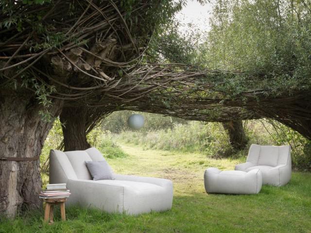 Une méridienne deux places molletonnée pour une ambiance intimiste - Dix fauteuils pour profiter de son jardin à deux