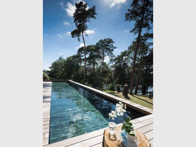 Des contraintes de terrain pour la piscine à fond mobile - Une piscine à fond mobile, une terrasse optimisée