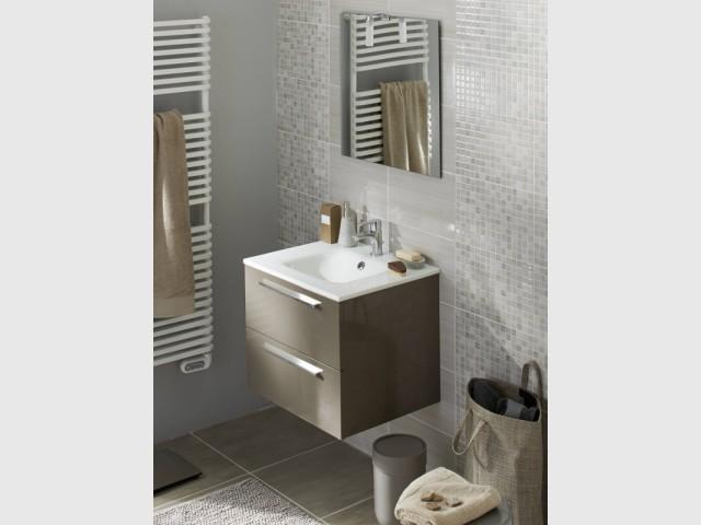 Un meuble compact pour une salle de bains moderne - Dix petits meubles sous vasque