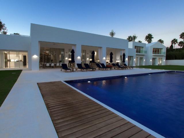 Une villa contemporaine ouverte sur l'environnement - Une villa construite entre ombre et lumière