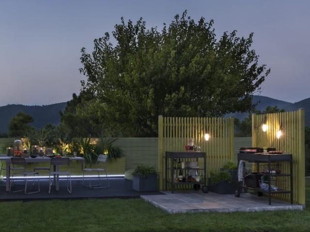 Un espace cuisine séparée pour une ambiance naturelle - Dix cuisines d'extérieur pour la famille