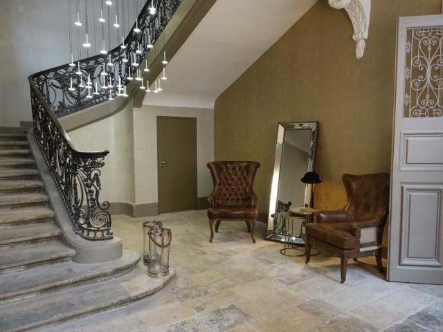 Un mobilier vintage pour un mélange des styles - La Cour des Consuls Hôtel inspire les particuliers