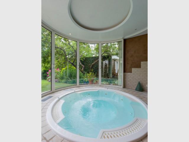 Une extension arrondie pour un effet cocon - Une extension panoramique pour un espace détente