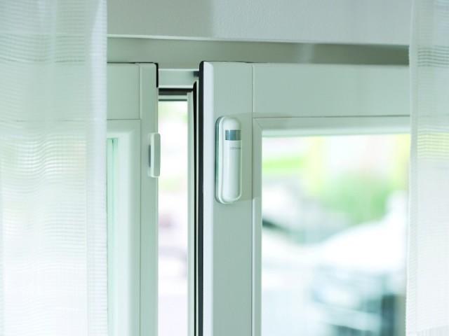 Une fenêtre connectée pour observer les intrusions - Sécuriser sa maison à distance avec son smartphone