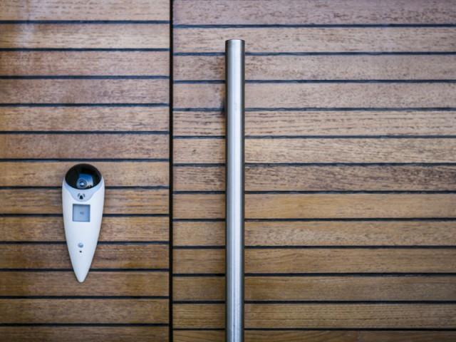 Un interphone connecté pour voir les intrus - Sécuriser sa maison à distance avec son smartphone