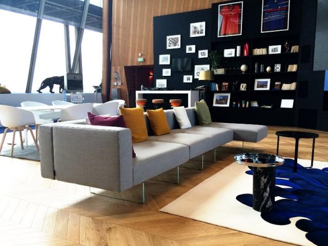 Un appartement éphémère inspiré par le style haussmannien - Un appartement aménagé dans la Tour Eiffel