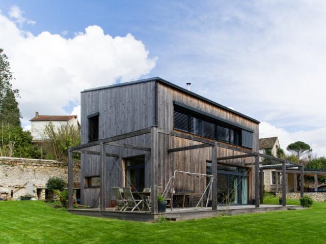 Un chantier de maison passive mouvementé  - Une maison passive en bois gris au coeur des Yvelines