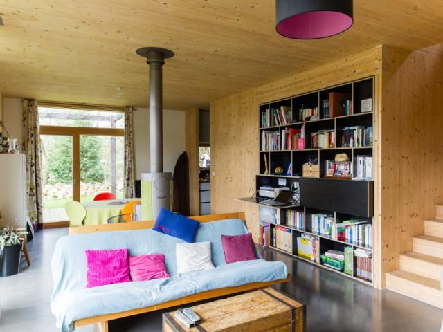 Une isolation de maison passive exclusivement en bois - Une maison passive en bois gris au coeur des Yvelines