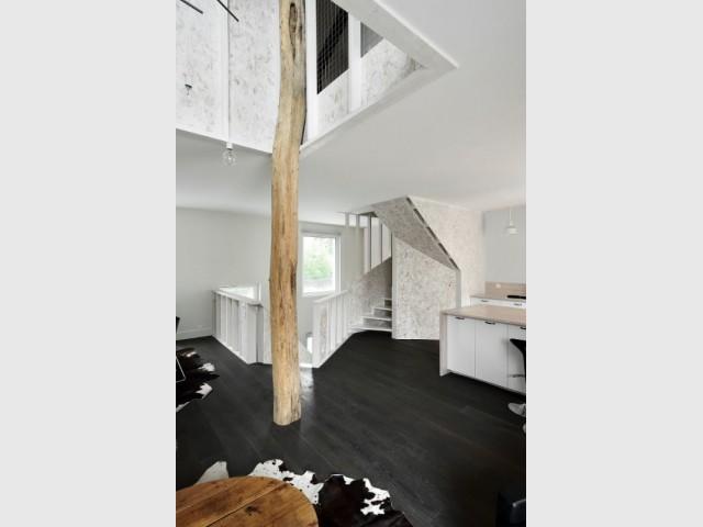 Maison PJ : un arbre comme support de la structure - Maison PJ à Nantes
