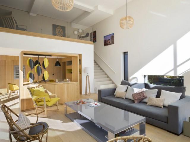 Un salon personnel, doux et chaleureux pour se sentir chez soi toute l'année - Une maison contemporaine au coeur de la nature