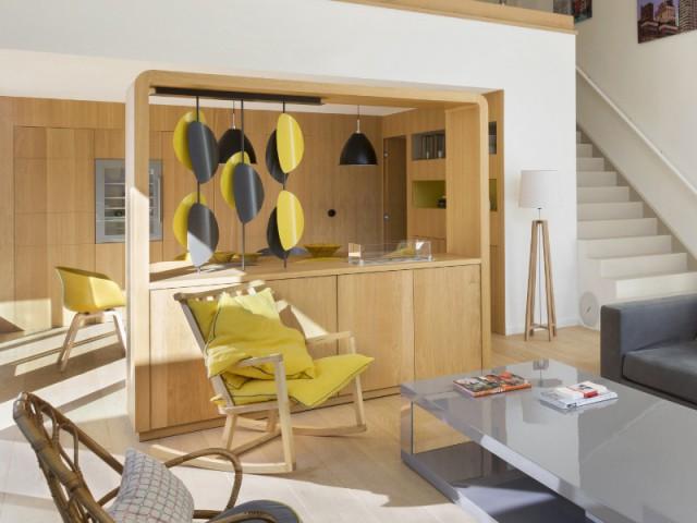 Un meuble design créé sur-mesure  pour une cheminée ultra-discrète - Une maison contemporaine au coeur de la nature