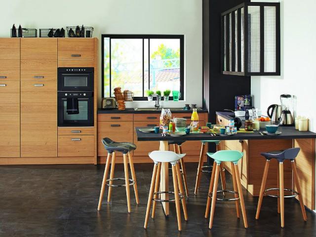 Une table en L pour une cuisine plus fonctionnelle  - Une vraie table de repas dans la cuisine