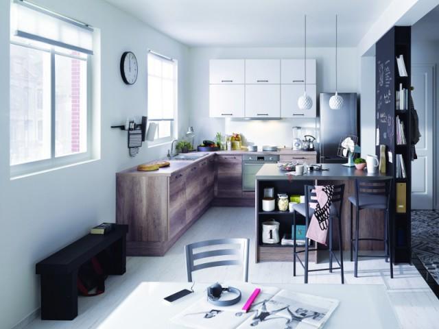 Une table multifaçette pour une cuisine optimisée  - Une vraie table de repas dans la cuisine