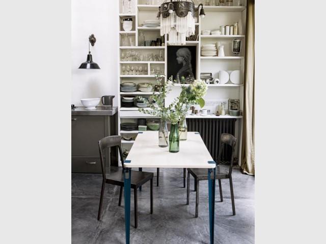 Une table légère pour une cuisine tout en finesse - Une vraie table de repas dans la cuisine