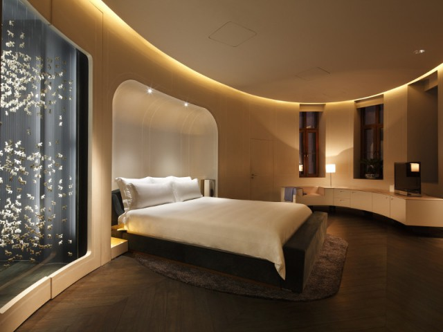 Une guirlande lumineuse pour égayer une chambre - The Swatch Art Peace Hôtel