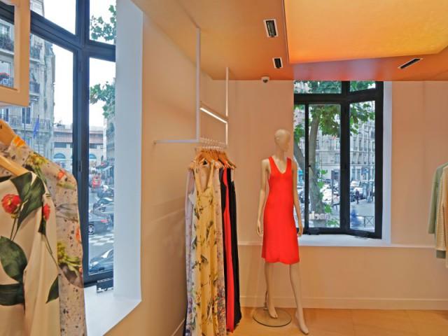 La boutique Cacharel rue de Buci à Paris conçue par les équipes de Jean Nouvel Design
